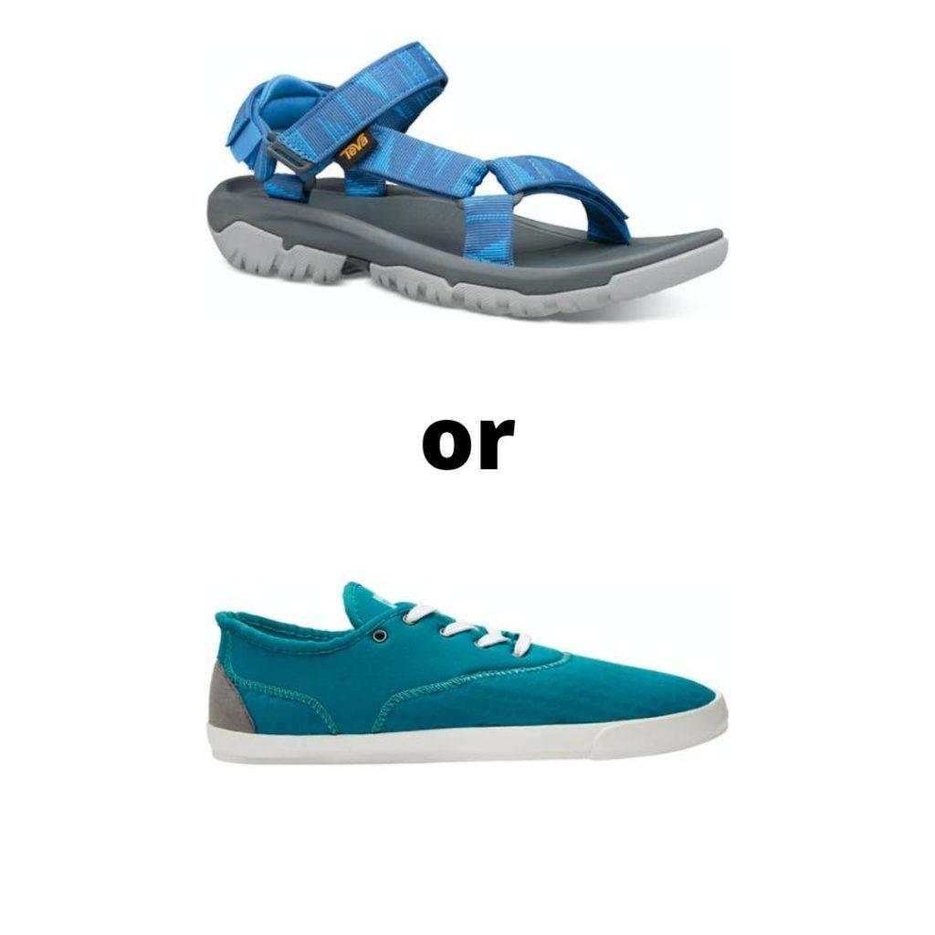 sandals or watershoes