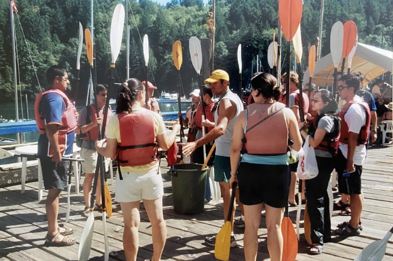 Group paddle